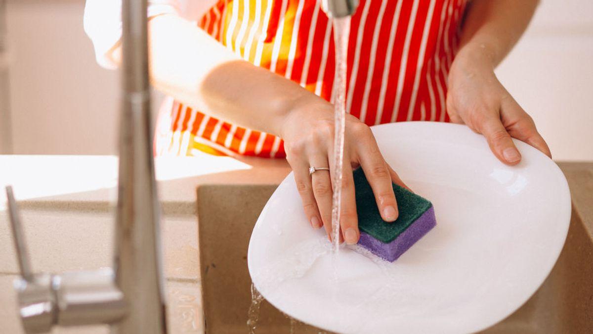 Tengo una empleada en mi hogar, ¿cuánto debo pagarla y cotizar a la seguridad social?