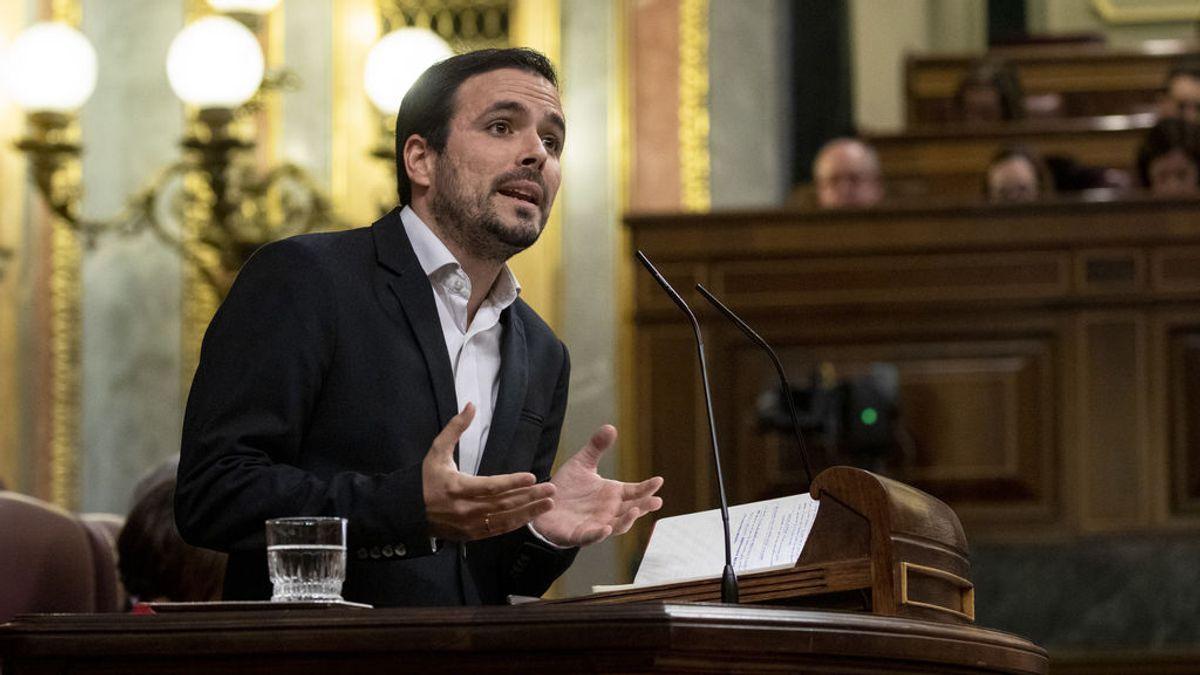 Garzón vincula la subida de la luz al oligopolio eléctrico y descarta rebajar el IVA abaratar su precio