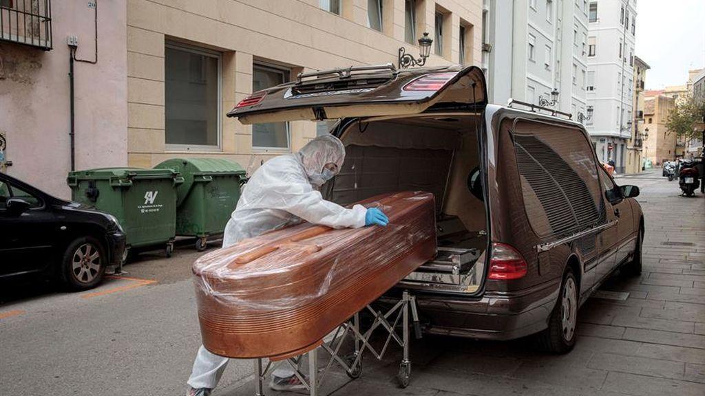 Récord de fallecidos por covid durante la tercera ola, 724 muertes
