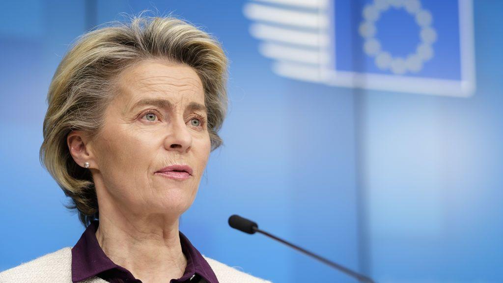 Ursula von der Leyen acusa a Reino Unido de comprometer la seguridad de las vacunas