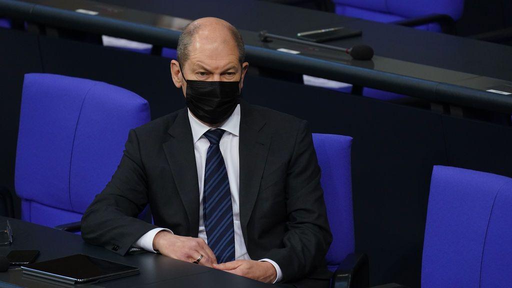 """El ministro alemán de Finanzas dice que la CE debería haber encargado """"antes y más"""" vacunas contra el covid"""