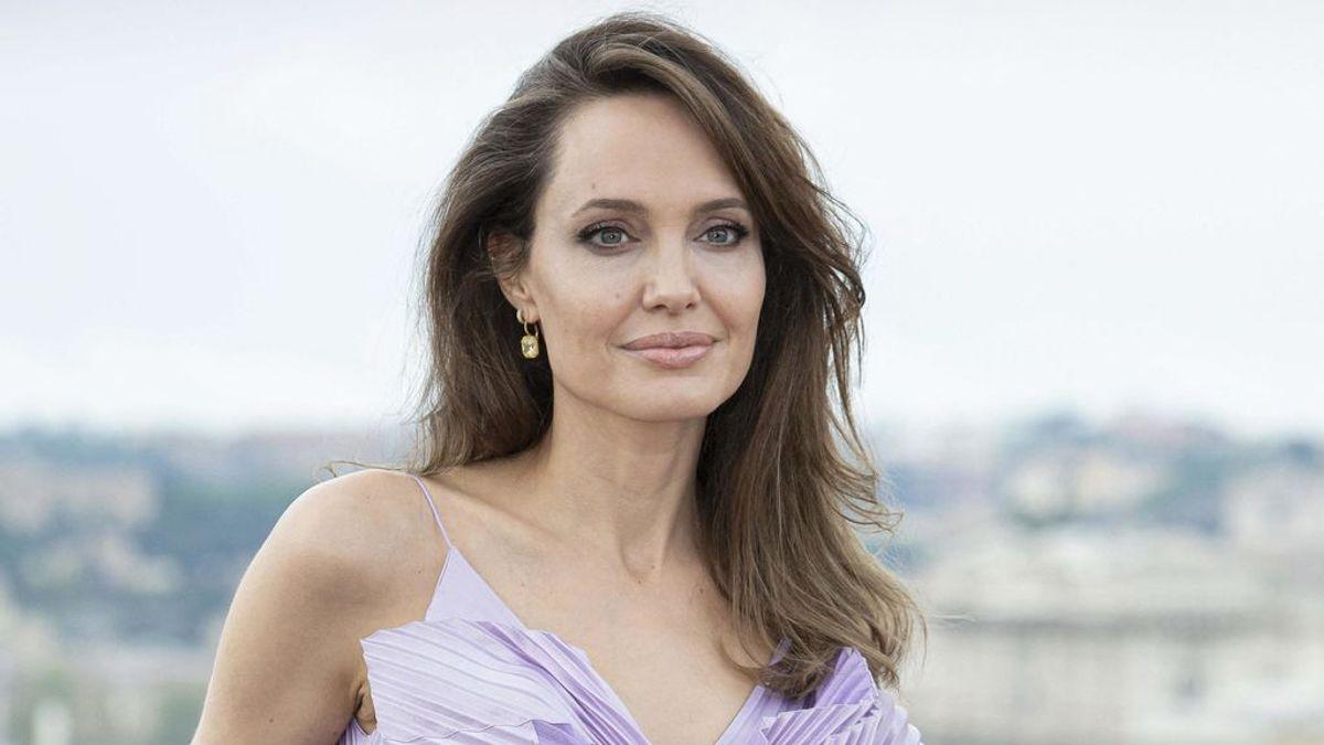 """Angela Jolie, sobre su futuro y el de sus hijos tras su separación: """"Quería que estuviera cerca de su padre"""" Los últimos años han sido bastante duros"""