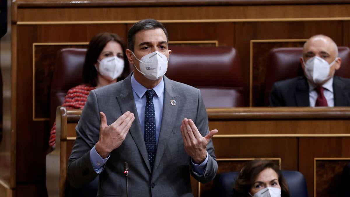 """Pedro Sánchez carga contra Casado: """"Es tan moderado"""" que Vox """"le da lecciones de responsabilidad"""""""