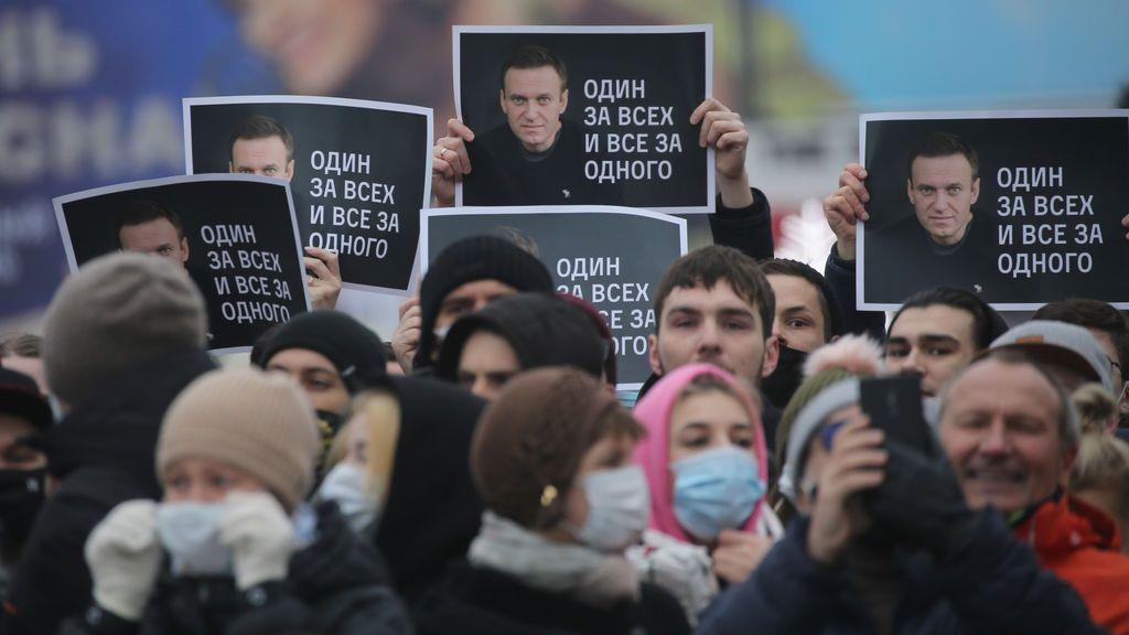 """EE.UU. pide la liberación """"inmediata"""" de Navalny y la UE califica la condena de """"inaceptable"""""""