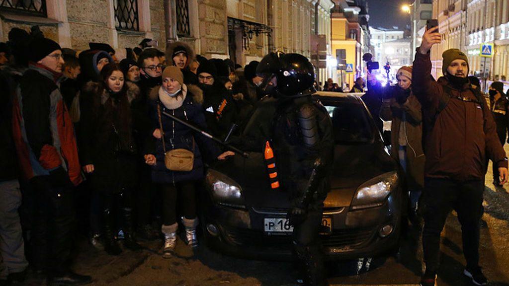 Casi 1.400 detenidos en Rusia en las protestas contra la condena de tres años de prisión contra Nalvani