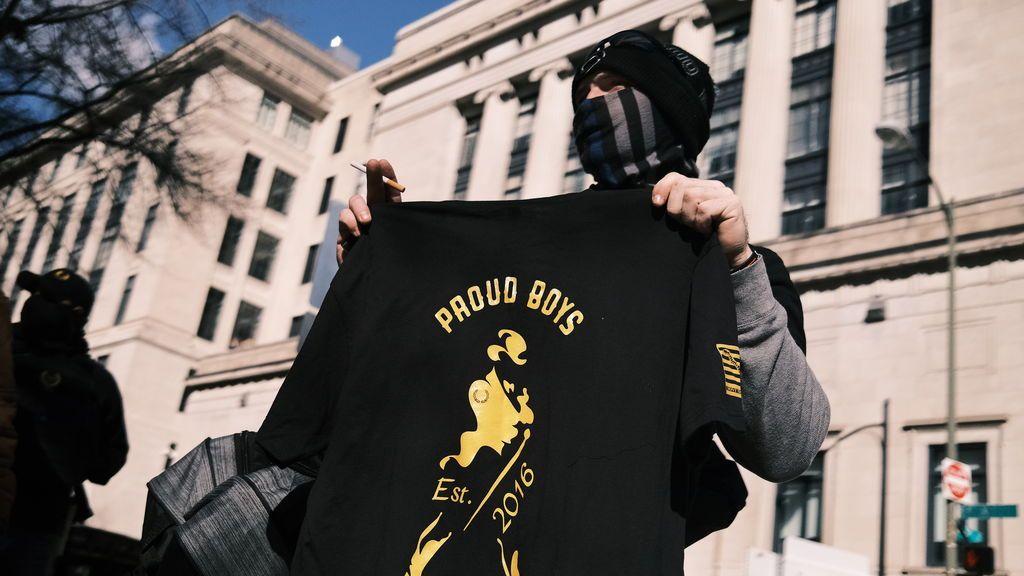 Canadá declara a los Proud Boys grupo terrorista