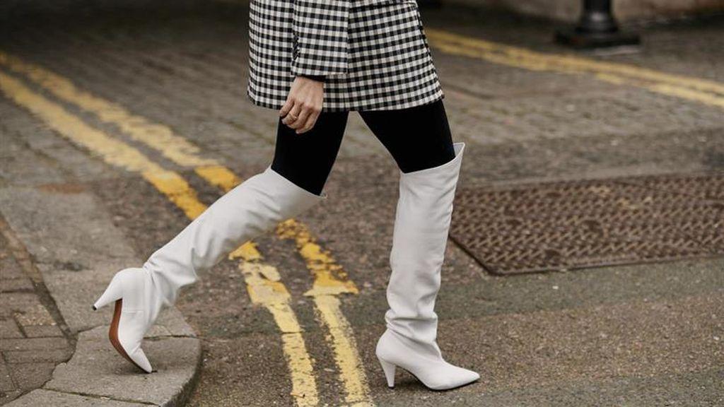 Botas blancas para el invierno: las opciones que no podrán faltar en tu armario esta temporada.
