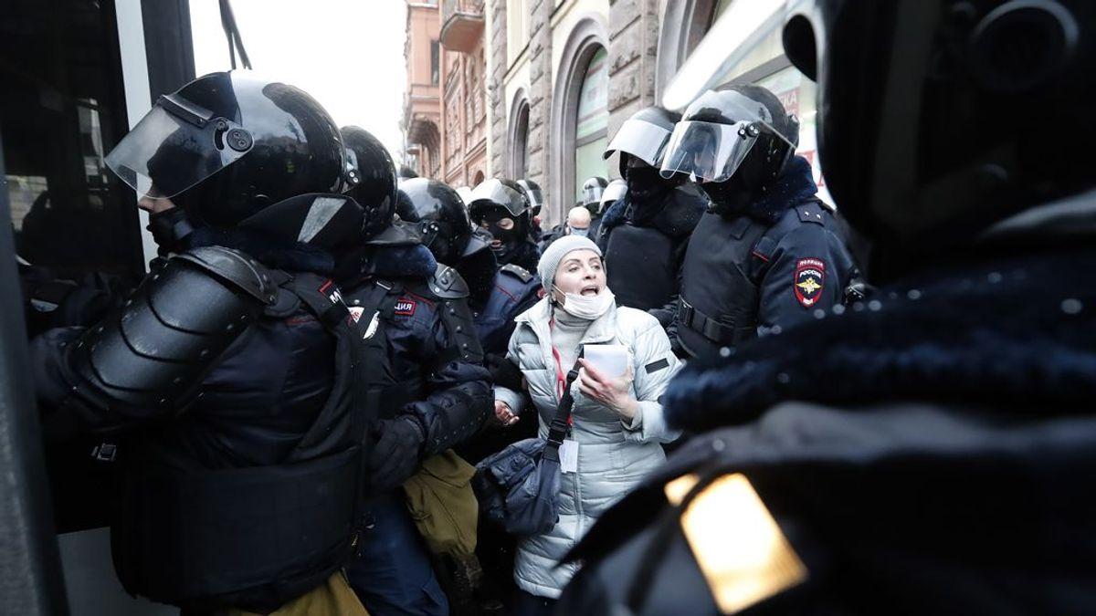 Las protestas contra la condena de tres años de prisión contra Nalvani dejan ya casi 1.400 detenidos en Rusia