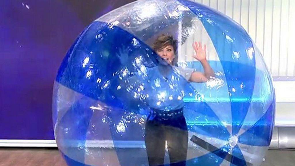 Sonsoles Ónega presenta 'Ya es mediodía' dentro de una burbuja