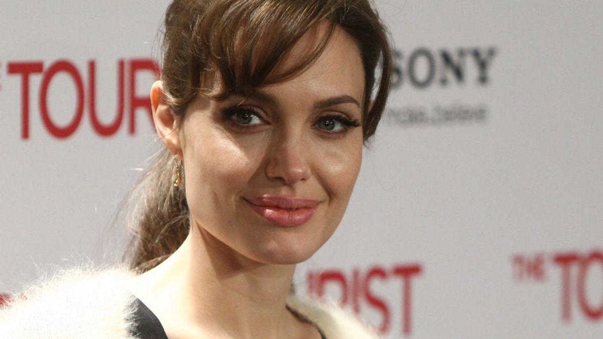 Angelina Jolie vende el único cuadro de guerra de Churchill que le regaló Brad Pitt
