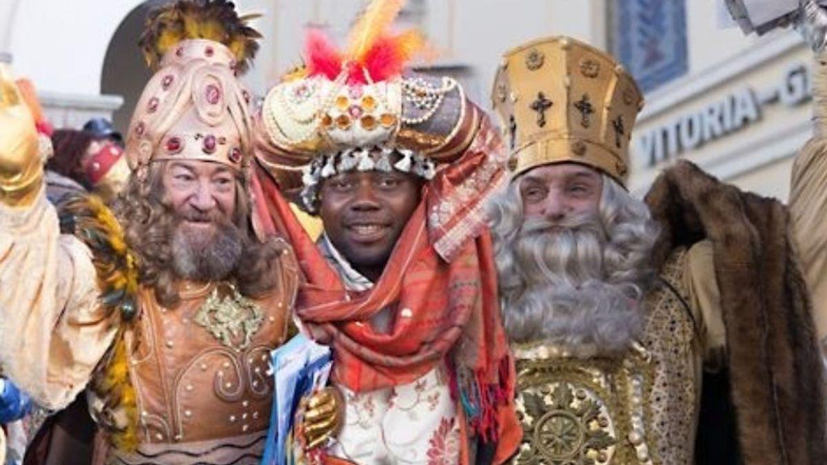 Gorka Urtaran, alcalde de Vitoria, 'despide' a los Reyes Magos por no saber euskera