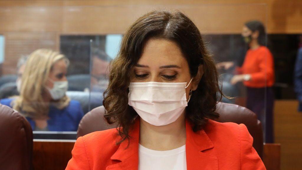 """Díaz Ayuso 'se salta' al Gobierno y llama a la UE para pedir más vacunas en un """"ruego desesperado"""""""