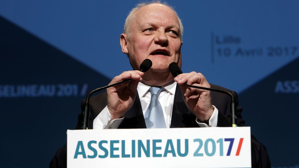 El excandidato presidencial francés François Asselineau, detenido por presuntos abusos sexuales