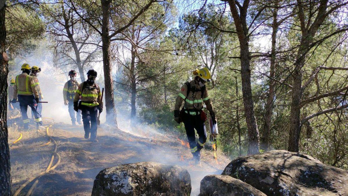 Cataluña vacunará a policías, bomberos y sanitarios de segunda línea la semana que viene