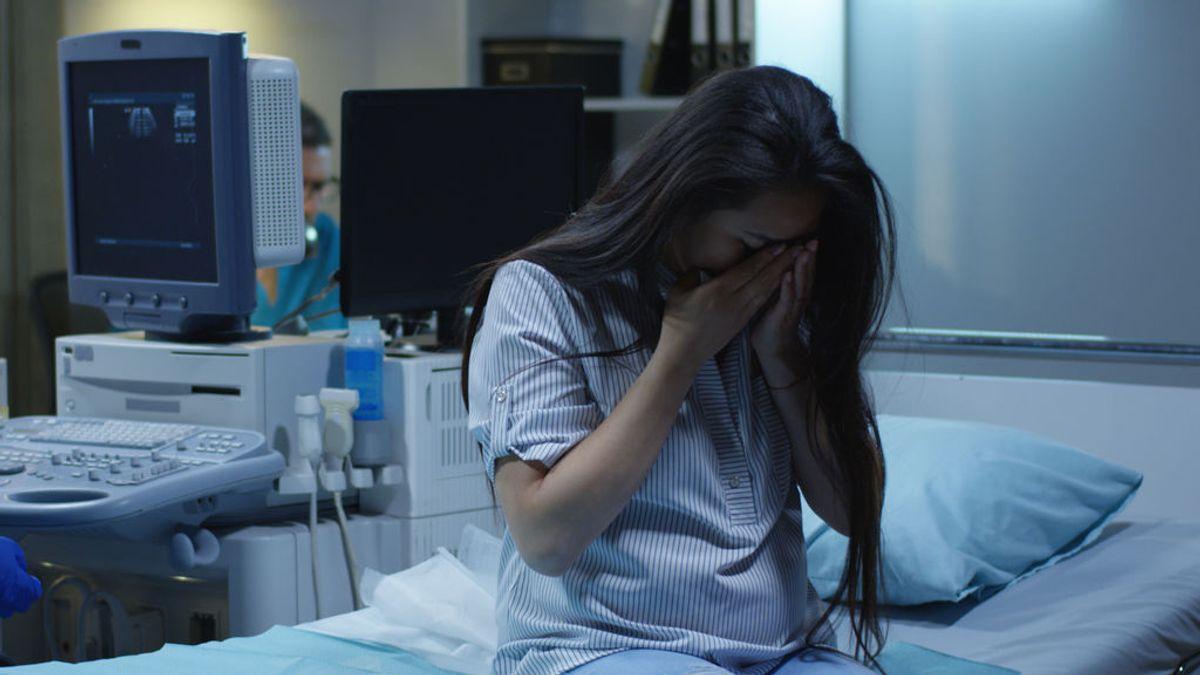 Una mujer mexicana da a luz en la puerta de un hospital sin que nadie le atienda