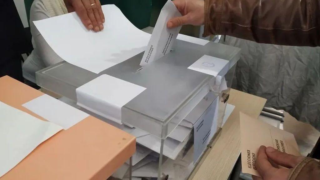 Los médicos piden ampliar el plazo para que los cuarentenados voten por correo en las elecciones catalanas