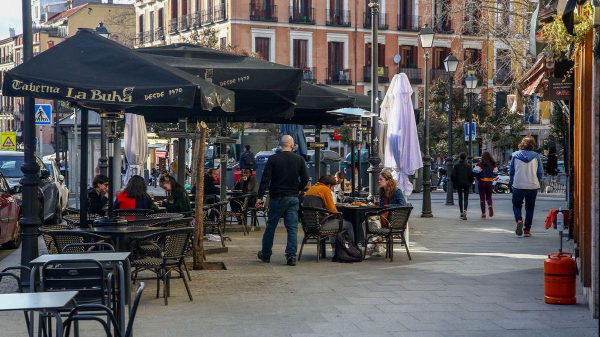 Entra en vigor la ampliación a seis comensales en terrazas en Madrid