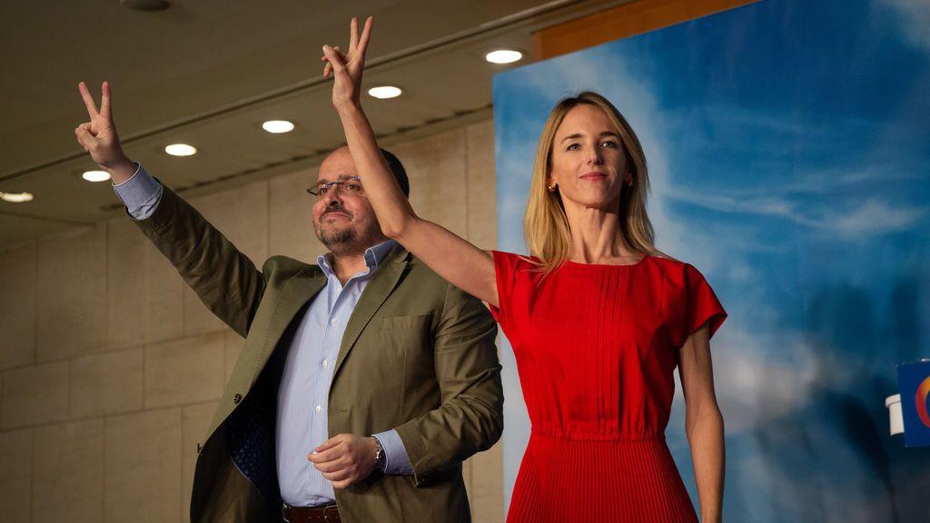 Álvarez de Toledo irrumpe en la campaña de las catalanas para atizar a Vox  pero termina cuestionando la estrategia de Casado
