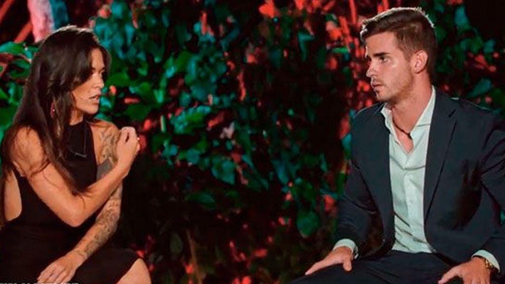 """La reacción de Álex Bueno cuando ve que Fiama se lía con Manuel en su primera noche en 'La isla de las tentaciones': """"Me ha sentado como una patada en la boca"""""""
