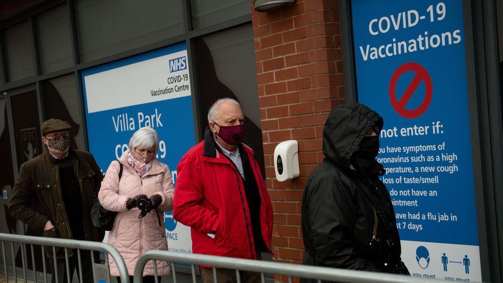 El estadio de fútbol del Aston Villa, convertido en un centro de vacunación masiva