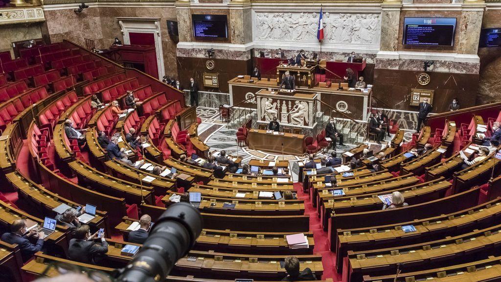 """El Parlamento francés vota el nuevo delito de """"separatismo"""" para combatir el islamismo radical"""