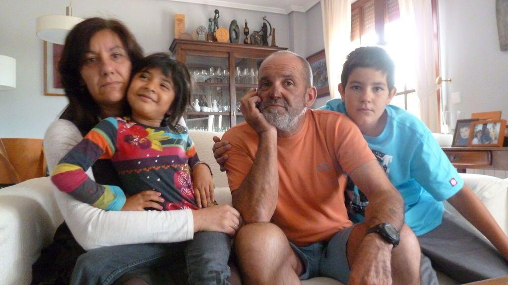 Juanito con su familia