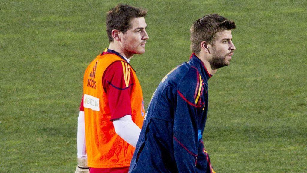 """Casillas le agradece el regalo a Messi y Piqué le vacila: """"No te caben todas las botellas en casa"""""""