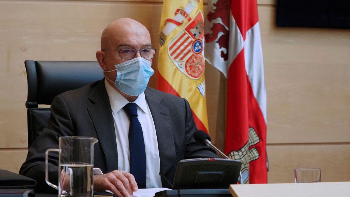 Ingresado en la UCI el consejero de Agricultura de Castilla y León, Jesús Julio Carnero
