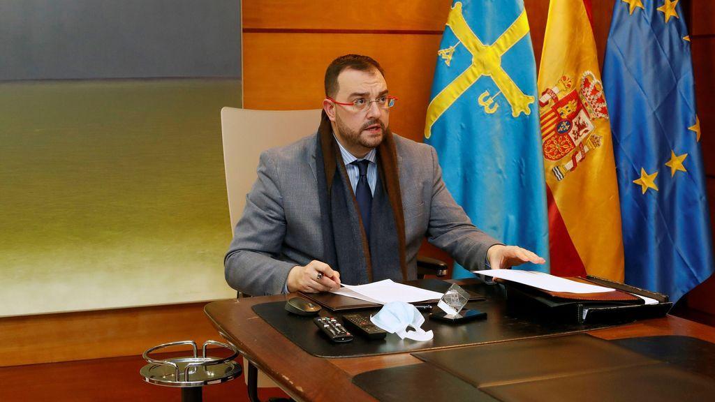 Atacan con huevos la vivienda del presidente de Asturias, Adrián Barbón