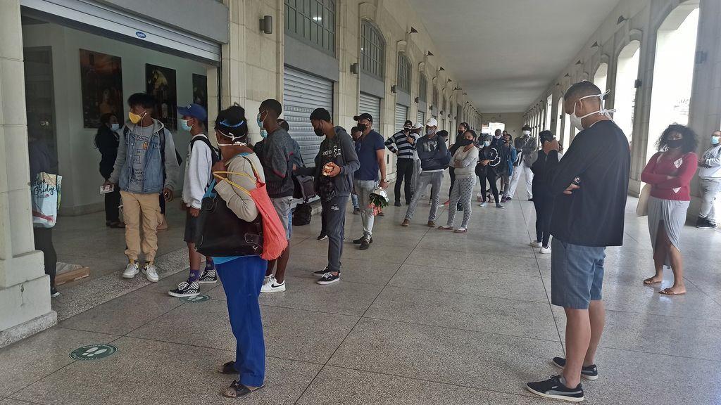 Cuba suma 820 nuevos casos de covid y prevé altas cifras durante todo el mes