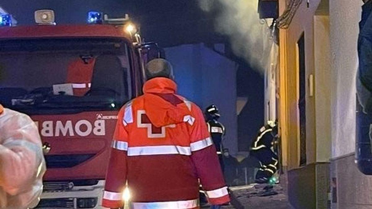 Un muerto y tres heridos en el incendio de una vivienda en Oliva de Mérida