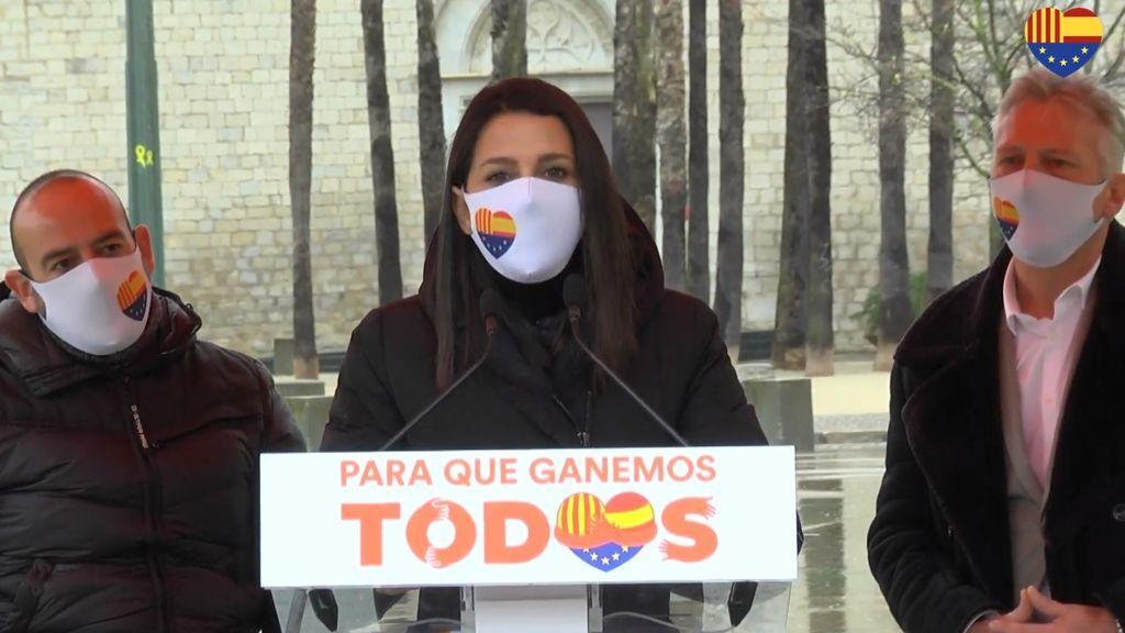 """Arrimadas (Cs): """"No podemos ofrecerle a Otegi un futuro que le guste para Cataluña"""""""