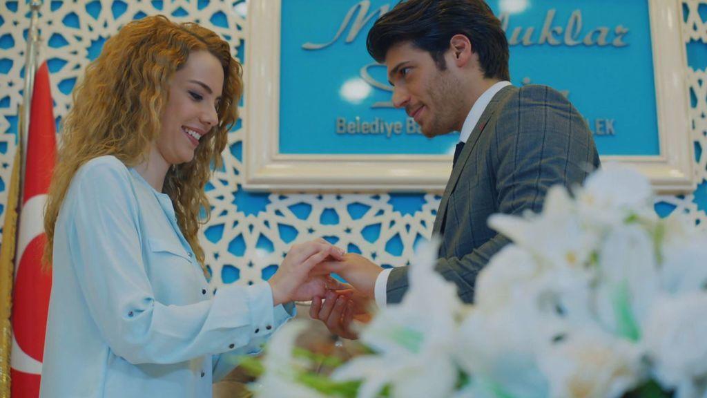 Tarik e Itir se casan en secreto