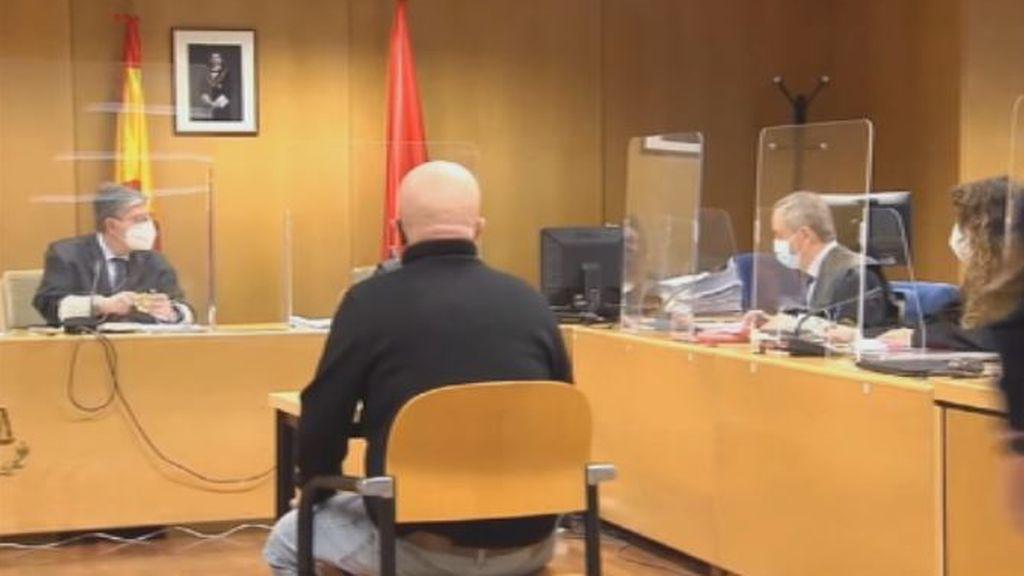 Paco Sanz acepta dos años de cárcel por estafar más de 250.000 euros a miles de personas