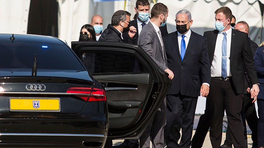 Netanyahu se sienta en el banquillo y se declara inocente de corrupción