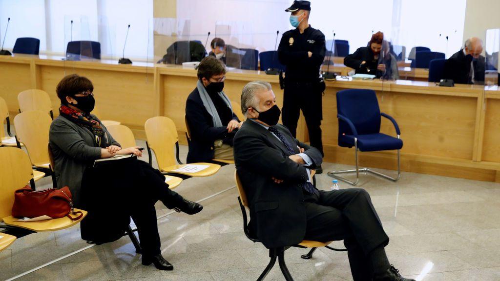 La distancia entre la Fiscalía y las acusaciones populares en el juicio por los papeles de Bárcenas