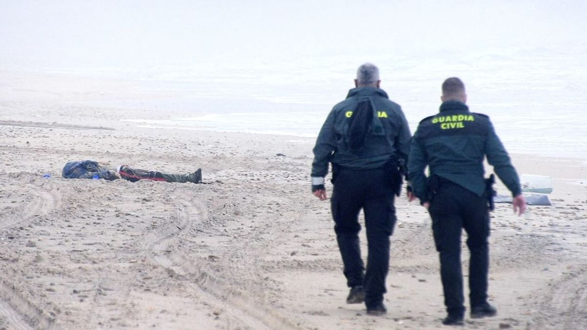 Un muerto en el naufragio de una narcolancha en Zahara de los Atunes