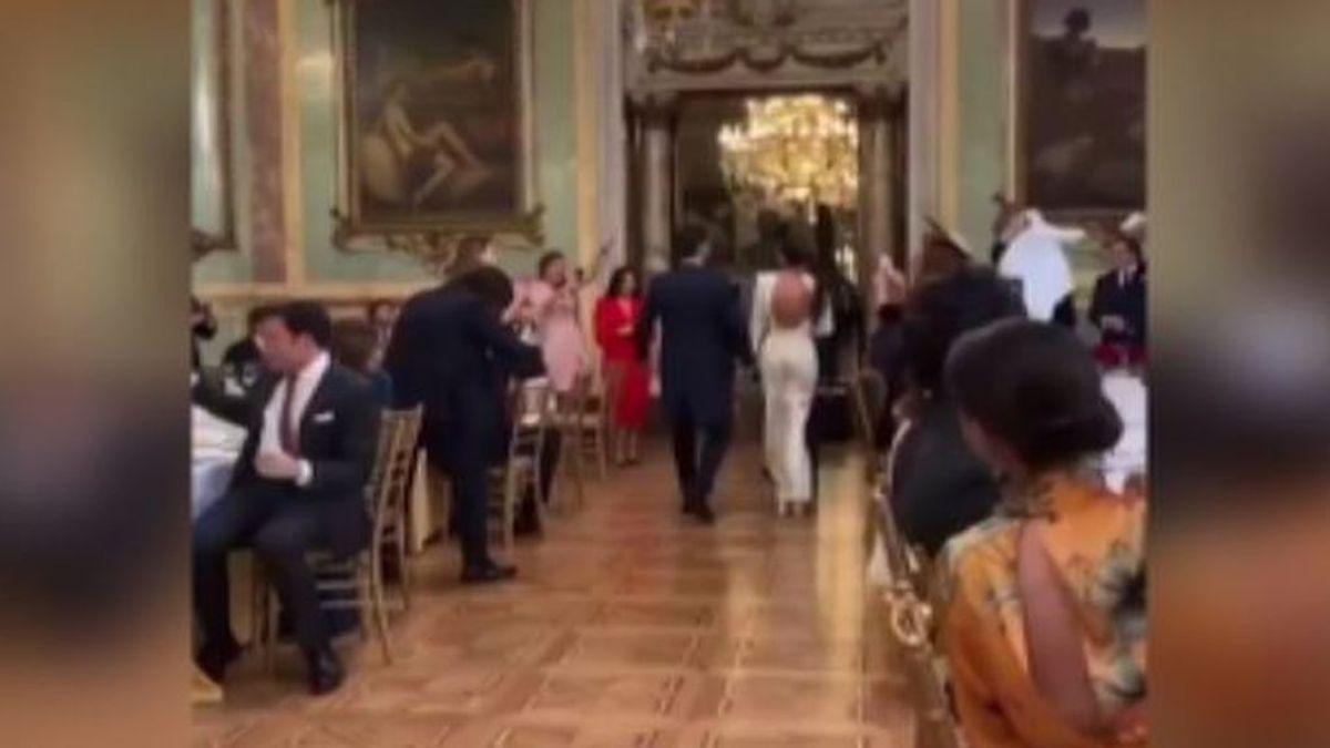 Una boda sin mascarillas ni distancia de seguridad de un jugador del Real Madrid en el Casino enfada en las redes