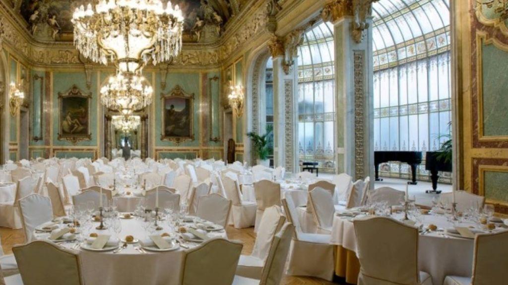 Salud Pública de Madrid investiga la boda en el Casino con asistentes sin mascarillas