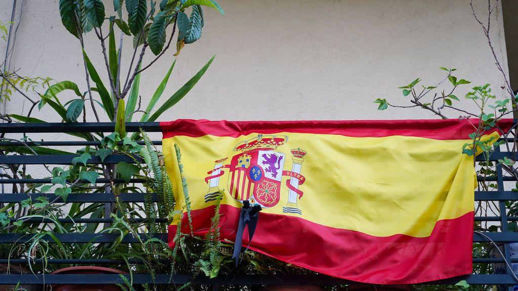 Madrid da una beca de 12.750 euros a un proyecto artístico para renovar las banderas de España de los balcones