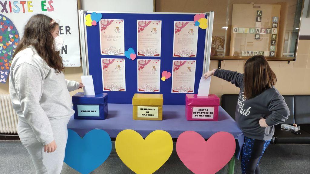 Un instituto de Granada cambia las reglas de San Valentín: cartas de amor para los abuelos