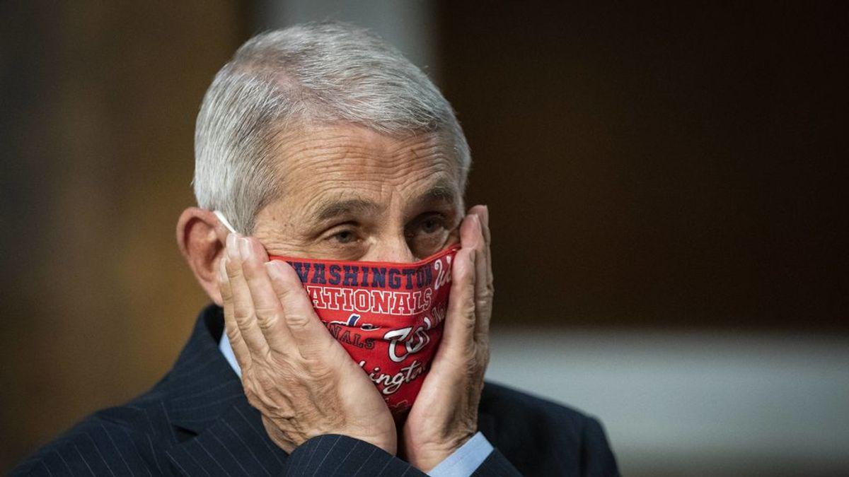 Por fin, una mascarilla sin gomas: el invento de un vecino palentino que revolucionará los cubrebocas