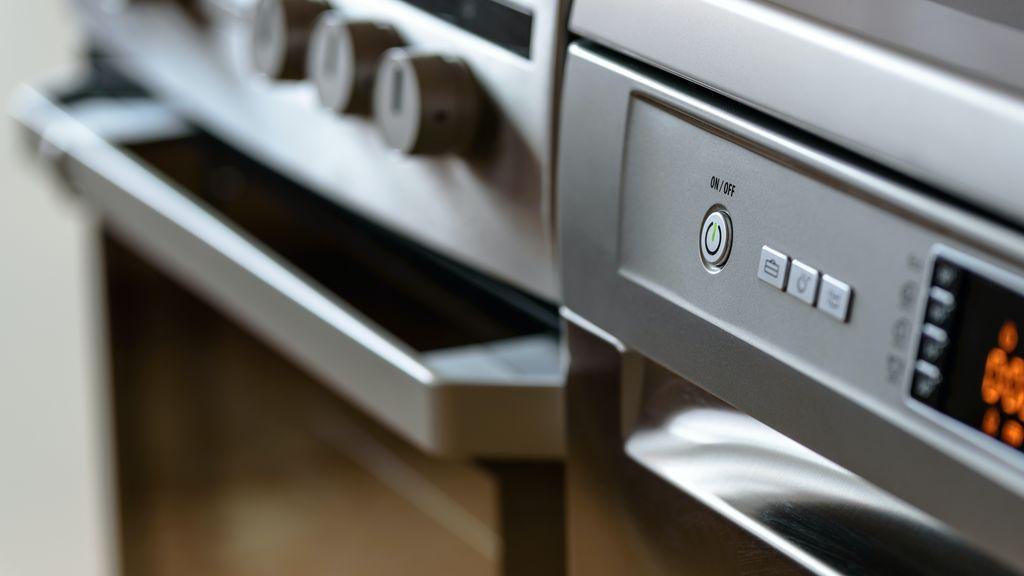 Trucos para limpiar la puerta del horno