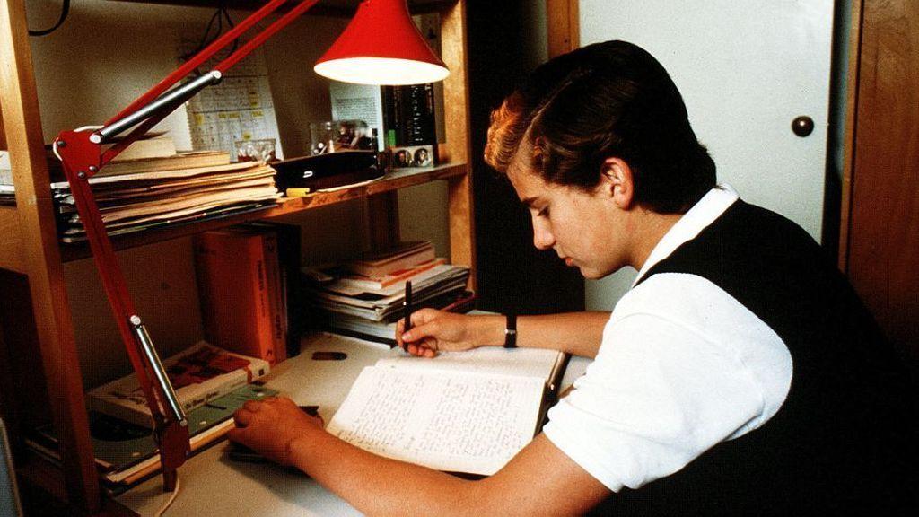 Felipe Estudiando