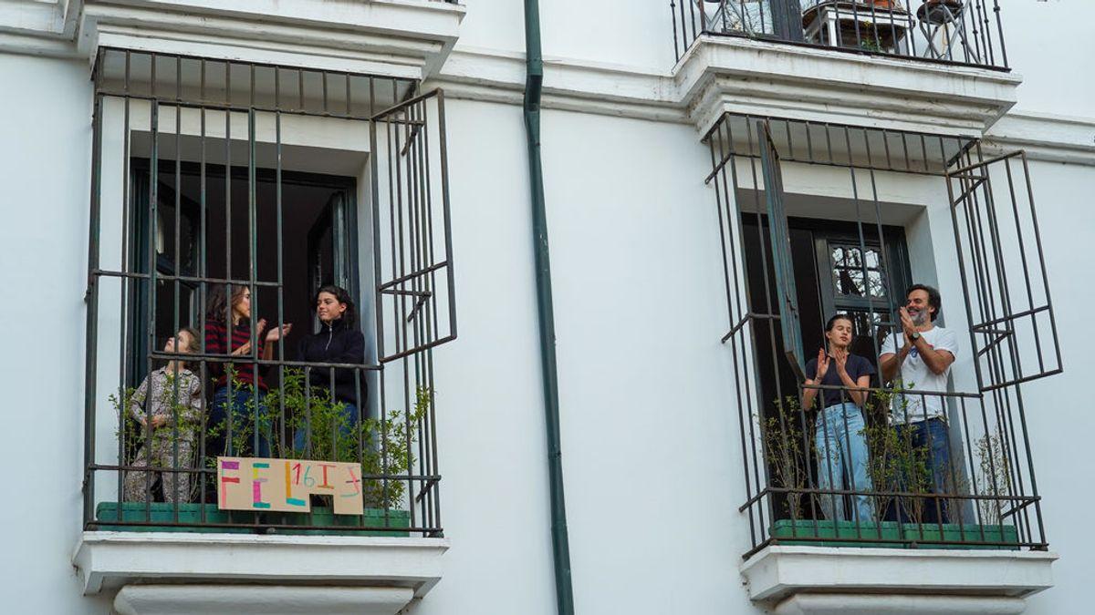 A las 20.00, cita en el balcón para aplaudir a los sanitarios