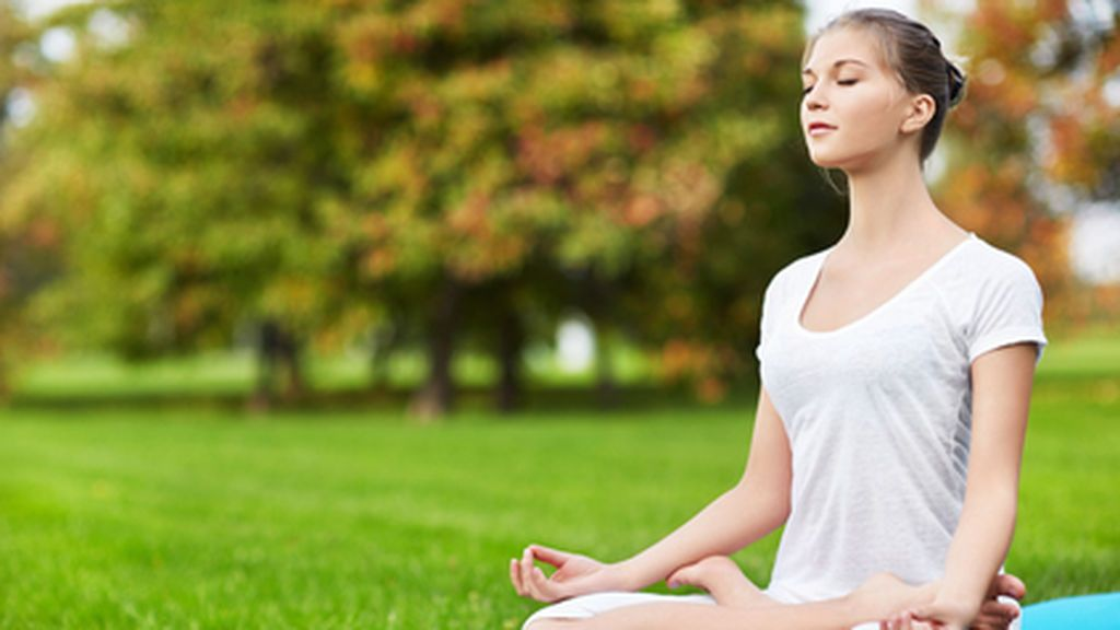 El yoga te ayudará con tu meditación diaria y con tu actividad física.