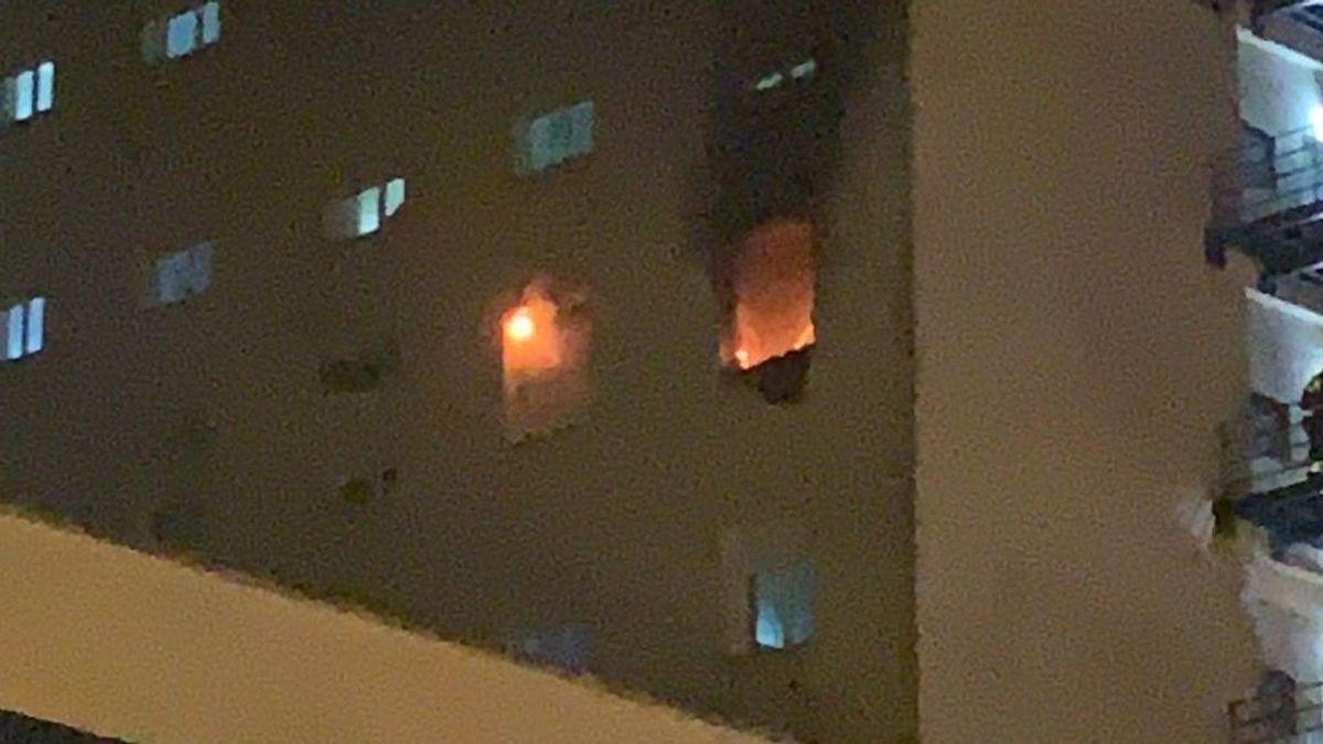 EuropaPress_3557107_incendio_planta_sexta_hospital_puerta_mar