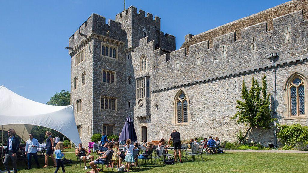 El colegio de Gales de la princesa Leonor, centros de élite y opciones más asequibles para que tu hijo curse un año en el extranjero