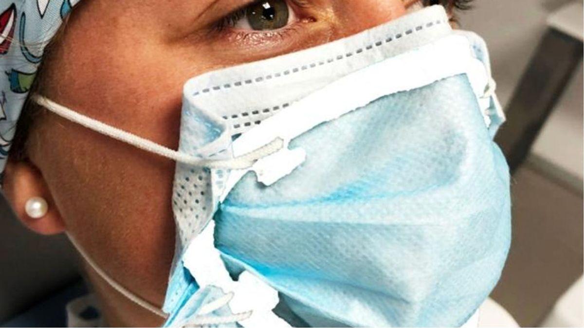 Patentan un cierre que adapta la mascarilla quirúrgica al contorno facial