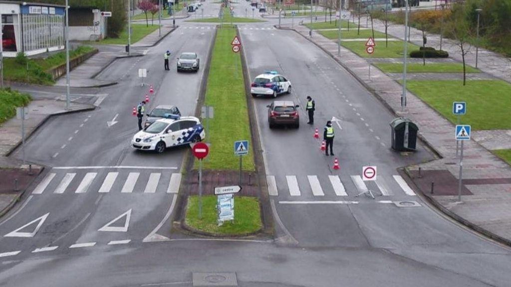 Interceptado un conductor sin puntos, sin mascarilla y con dos no convivientes fuera de su municipio